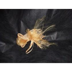 Pince Mathilde en crin sisal et ruban dorée mat