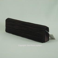 pochette-chocolat-satin-plisse
