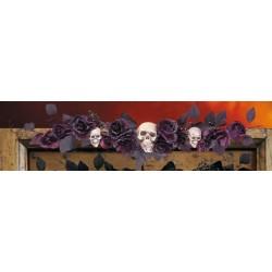 Dessus de porte roses noires et violette avec crânes