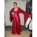 Robe médiévale rouge et framboise à lacets