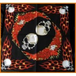 Bandana têtes de mort dans les flammes foulard carré 100 %coton