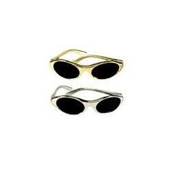 12 paires de lunettes de soleil de star argent ou or Hollywood P