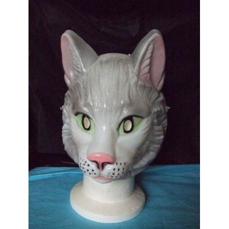 masque-de-chat-blanc-aux-yeux-verts