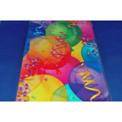 nappe-en-plastique-ballon-et-serpentins-137-cm-x-213-cm