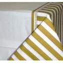 Nappe en papier gaufré noces d'or 137 cm x 259 cm