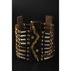 bracelet-d-indien-en-perles-de-bois-et-sequins-dores