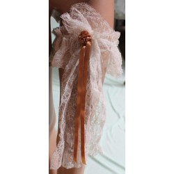 jarretiere-dentelle-ivoire-rubans-et-fleur-caramel