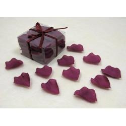 100-petales-de-rose-en-tissu-bordeaux