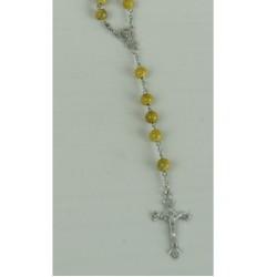 chapelet-jaune-marbre-avec-christ-et-vierge