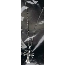 chaine-croix-gothique-avec-strass-au-centre-couleur-argent