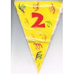 guirlande-chiffre-2-fanions-drapeaux-triangulaires-sur-6-m