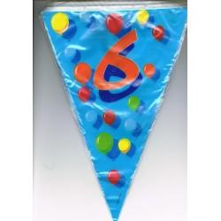 guirlande-chiffre-6-fanions-drapeaux-triangulaires-sur-6-m
