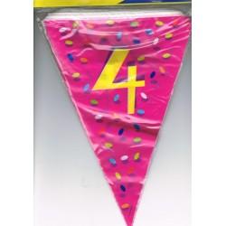 guirlande-chiffre-4-fanions-drapeaux-triangulaires-sur-6-m