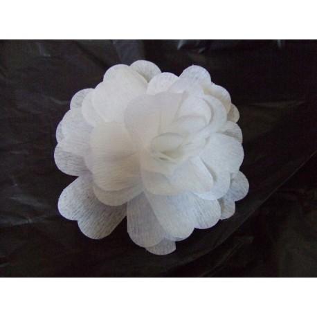 25-fleurs-blanches-en-papier-crepon-a-ouvrir