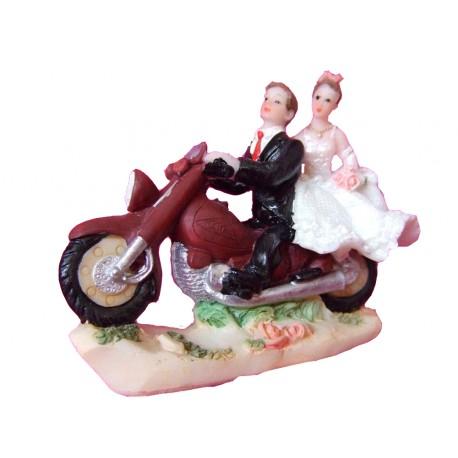 figurine-mariage-couple-a-moto-roulant-vers-la-gauche