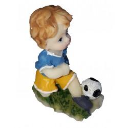Figurine miniature 1 petit garçon footballeur maillot bleu short jaune