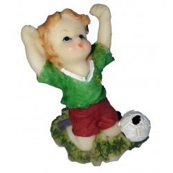 Figurine miniature 1 petit garçon footballeur maillot vert short rouge
