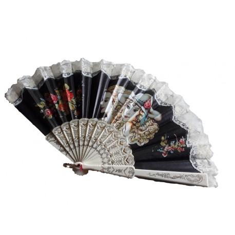 eventail-dentelle-noire-motif-floral-imprime-sur-tissu