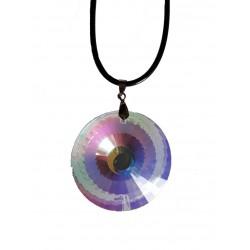 Médaillon en verre irisé, joli prisme sur cordelette noire
