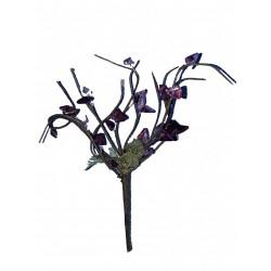 Un bouquet à 10 brins hauteur moyenne 15 centimètres perles parmes et violettes et vertes