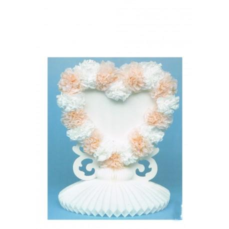 1 coeur blancs à décorer sur un socle en papier alvéolé
