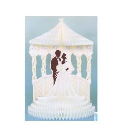 couple-de-maries-en-papier-alveole-sous-une-tonnelle