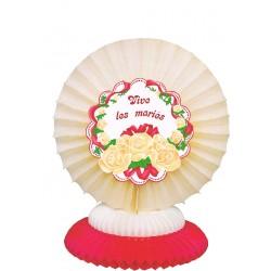 Decor de table en papier alvéolé ivoire et bordeaux vive les mariés