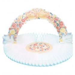 Corbeille fleurie en papier alvéolé blanche et pastel avec 2 colombes