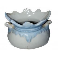 Vase Figurine miniature taraillette en porcelaine émaillée blanche et bleu pâle