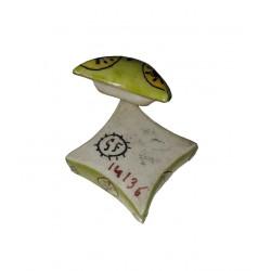 Boite à pilules numérotée et signée Figurine miniature en porcelaine émaillée verte et couleurs boite à dents