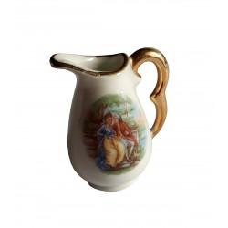 Figurine miniature taraillette en céramique porcelaine blanche et or pichet broc