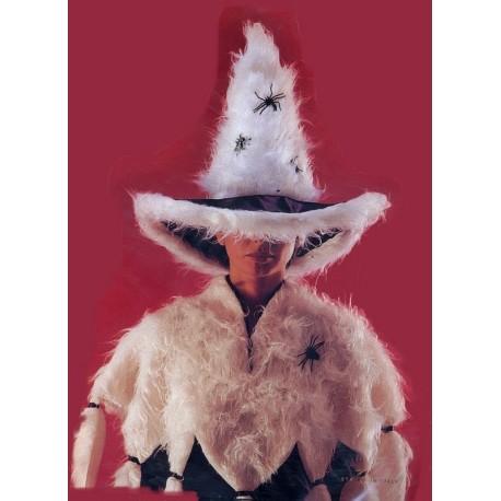 chapeau-de-sorciere-en-peluche-blanche