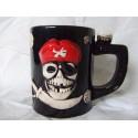 Mug pirate céramique noire avec motif couleurs os et rouge