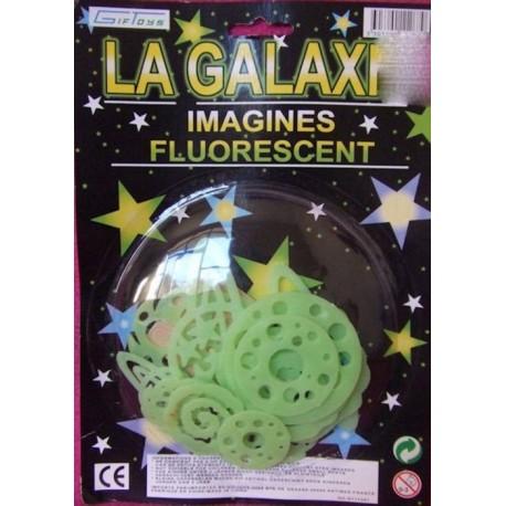 galaxie-fluorescentes-phosphorescentes-planetes-trou-noir