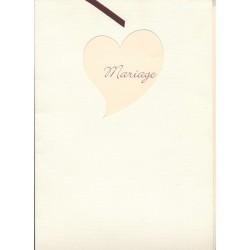 livre-d-or-ivoire-papier-cartonne-finement-ondule-decoupe-coeur