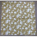 Bandana tête de mort sur fond jaune ocre foulard carré